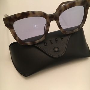 NEW DIFF Eyewear Carson Sunglasses